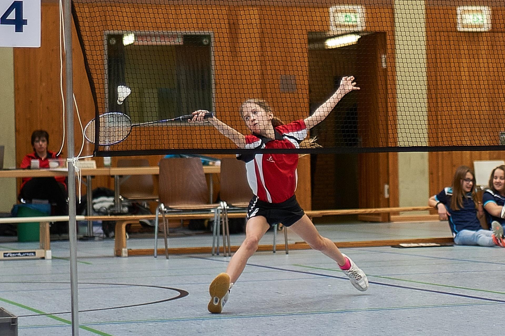 einzel und doppel badminton